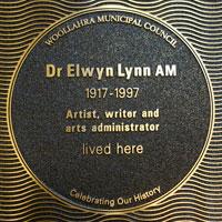 Dr Elwyn Lynn