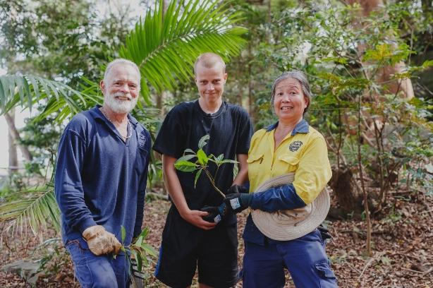 Bushcare volunteers and staff_Parsley Bay_2019_James Horan