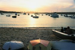 boats_on_beach_250