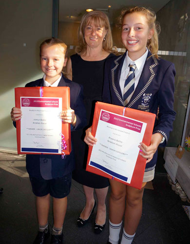 Jazmyn and Bryana Bailey with The Mayor of Woollahra Toni Zeltzer