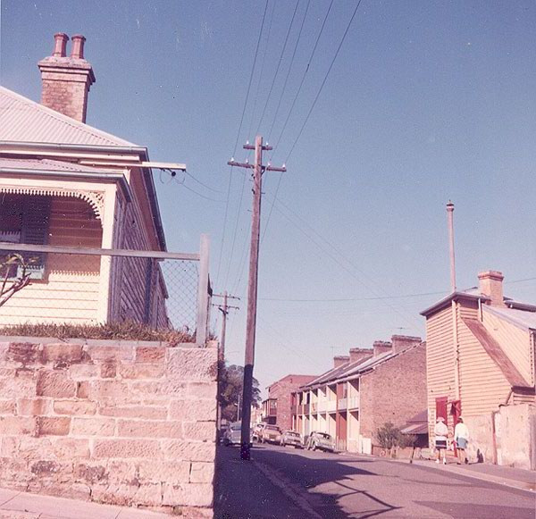 View looking south-east along Thorne Street, from the intersection of Great Thorne Street and High Street. Image from an album of coloured photographs of Edgecliff dating from the mid 1960s.   Woollahra Libraries Digital Archive PF004610u.