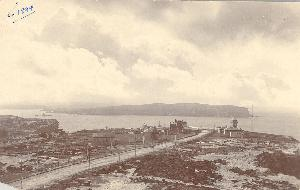 Old South Head Road with the Signal Station (right) and the South Head Independent Chapel, South Head Family Hotel and the Grand Pacific Hotel (left), c.1894