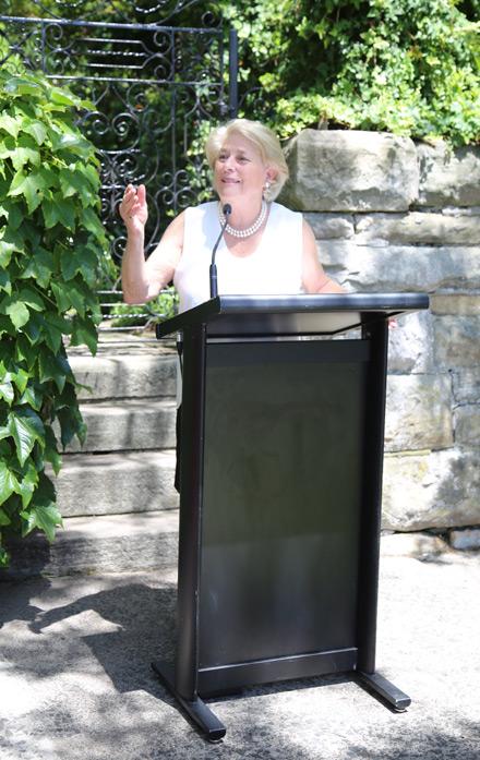 Susan Diver OAM, plaque nominee, speaking at the plaque unveiling