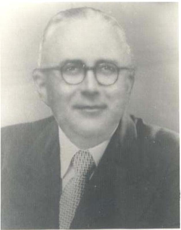 Alderman Reginald Thornton (c1947). Thornton was the warden on duty on 8 June 1942 when Japanese shelling hit the eastern suburbs. <em>Woollahra Libraries Digital Archive pf000497</em>.