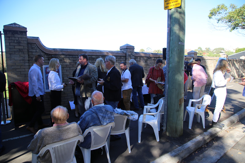Plaque unveiling - World Heavyweight Championship title fight 1908  -  Guests near  the site of the Sydney Stadium (demolished), Rushcutters Bay.