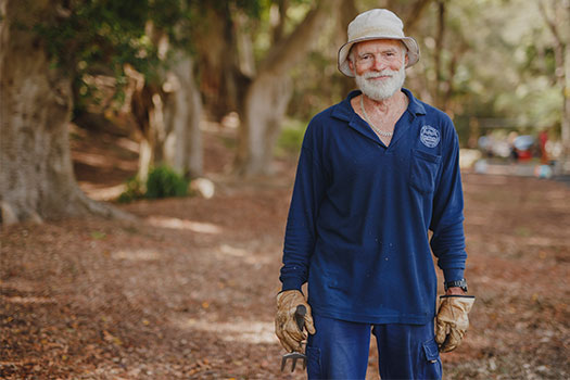 Bushcare volunteer, Rob Hitchen