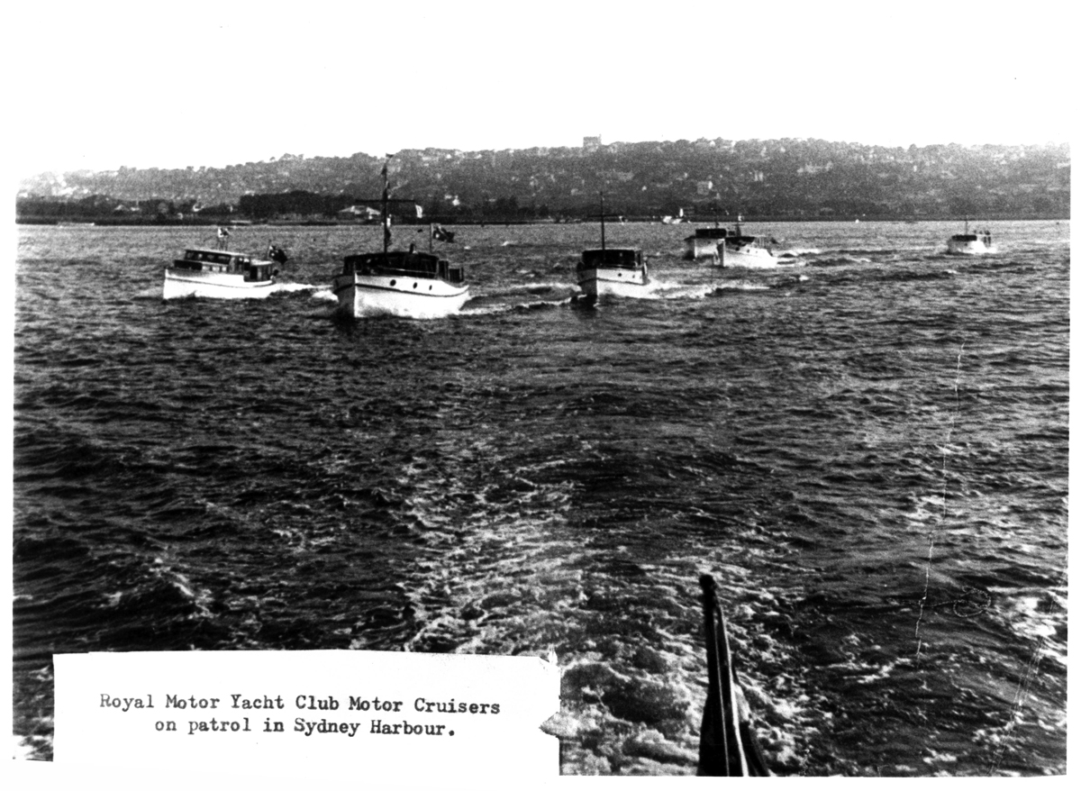 Royal Motor Yacht Club motor cruisers in Sydney Harbour during World War 2. <em>Woollahra Libraries Digital Archive pf000893</em>.