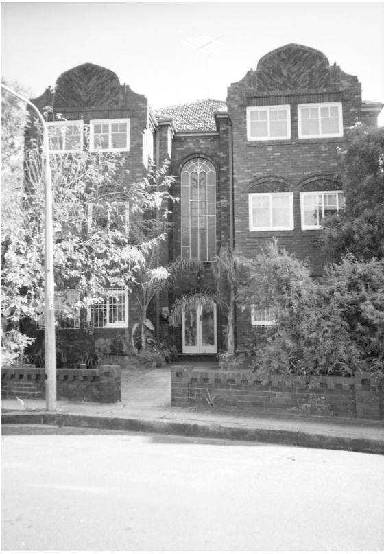 26 Manion Avenue, Rose Bay, 1992. The scene of the only civilian casualty during WW2.<em>Woollahra Libraries Digital Archive pf005183</em>.
